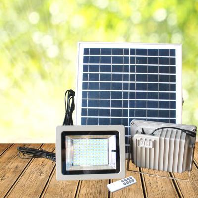 Giá Bộ đôi đèn pha năng lượng mặt trời 30w VK-A dùng trong nhà